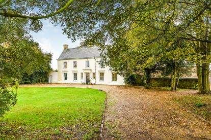 5 Bedrooms Detached House for sale in East Winch, Kings Lynn, Norfolk