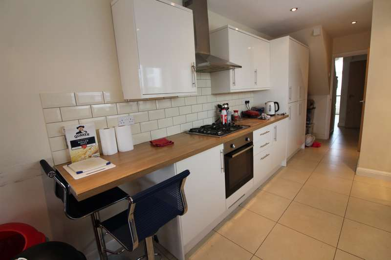 7 Bedrooms House for rent in Brithdir Street, Cathays, Cardiff