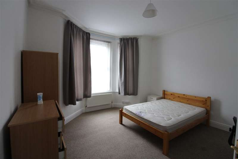 3 Bedrooms Apartment Flat for rent in Arthur Road, **** All bills Included********** All bills Included*********VIDEO TOUR AVAILABLE***, Southampton