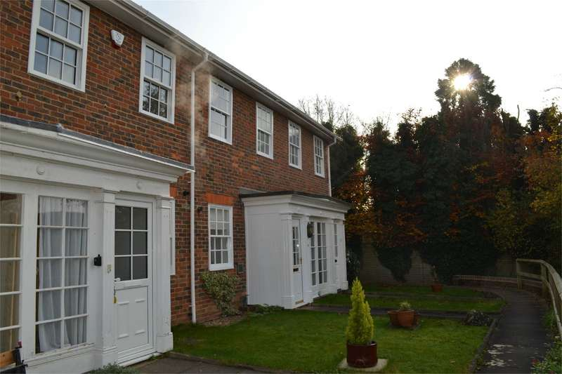 2 Bedrooms Terraced House for rent in Hill Lands, Wargrave, Berkshire, RG10