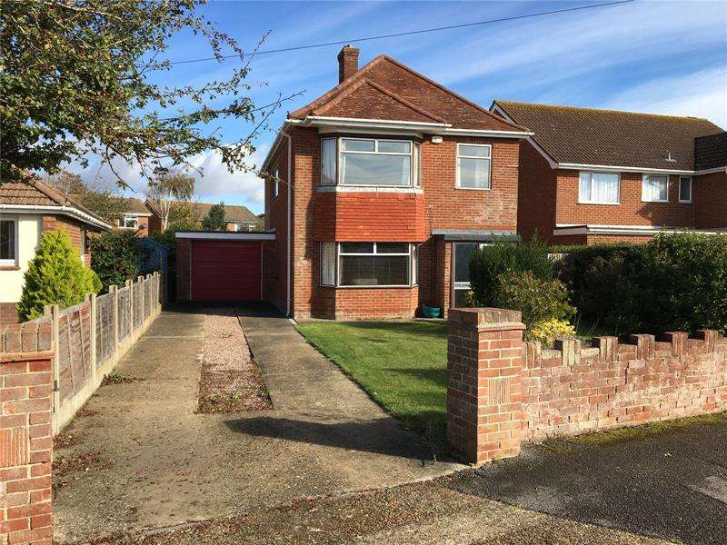4 Bedrooms Detached House for sale in Seamead, Hill Head, Hampshire, PO14