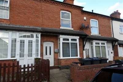 3 Bedrooms Terraced House for rent in Francis Road, Acocks Green, B27 6LT