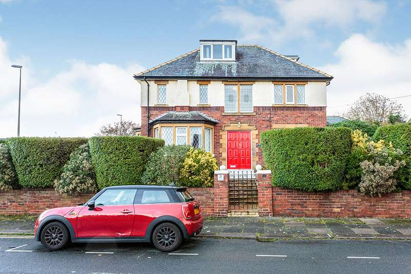 4 Bedrooms Detached House for sale in Alwood Avenue, Blackpool, Lancashire, FY3