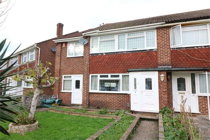3 Bedrooms End Of Terrace House for sale in Westfield Close, Waltham Cross, Hertfordshire