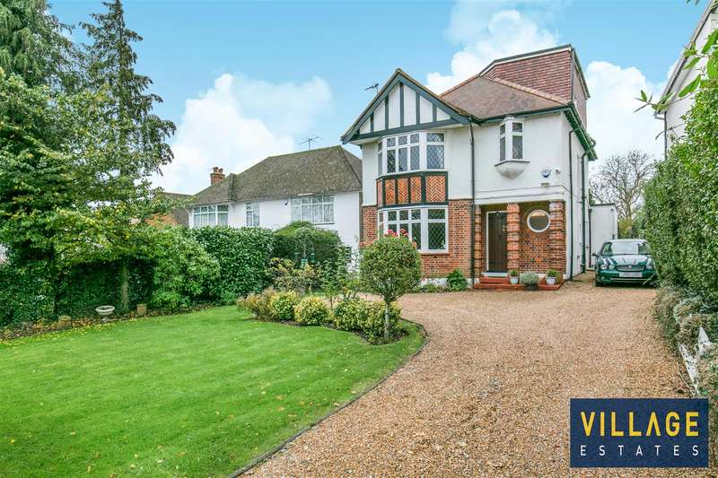 4 Bedrooms Detached House for sale in Cowley Hill, Borehamwood