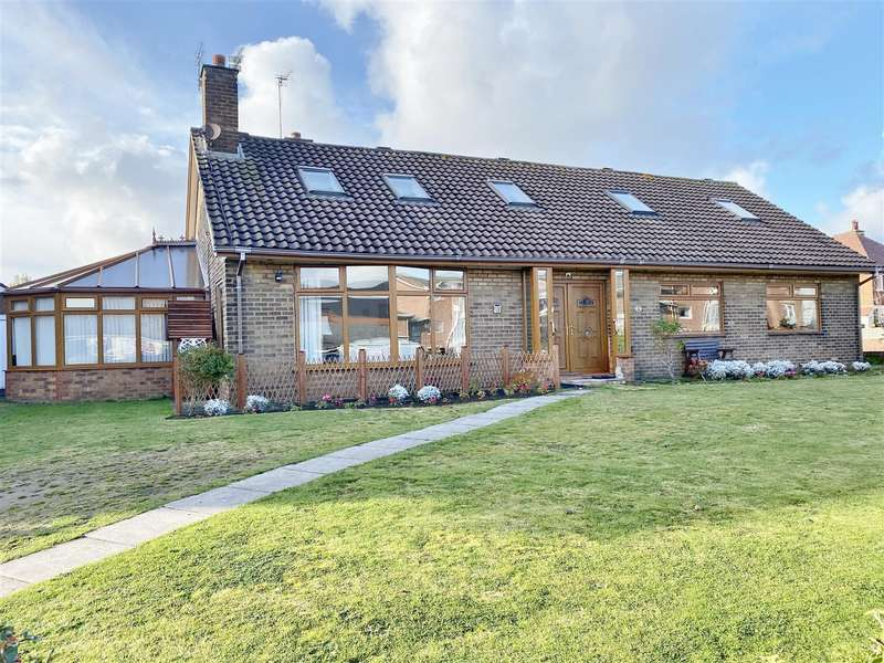 6 Bedrooms Detached Bungalow for sale in King Edward Avenue, Lytham St Annes