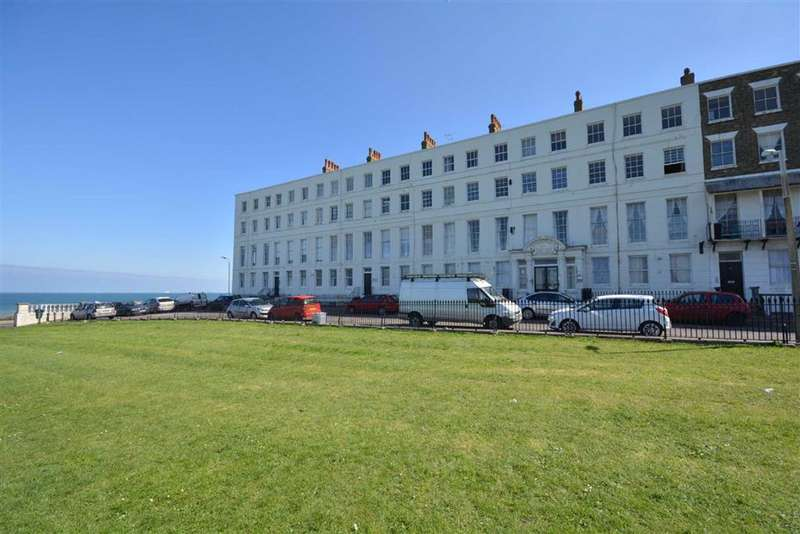 3 Bedrooms Flat for sale in Paragon Court, Margate, Kent