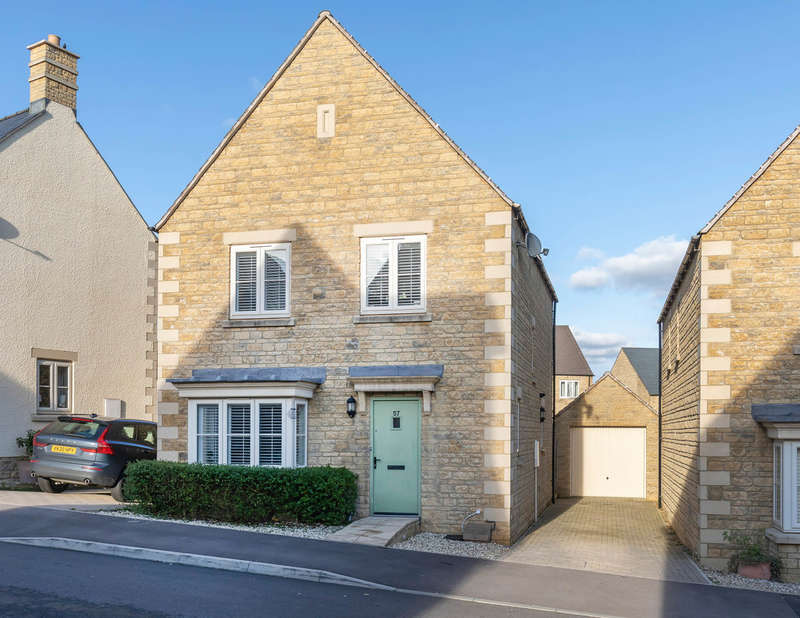 4 Bedrooms Detached House for sale in Pennylands Way, Winchcombe GL54 5GB
