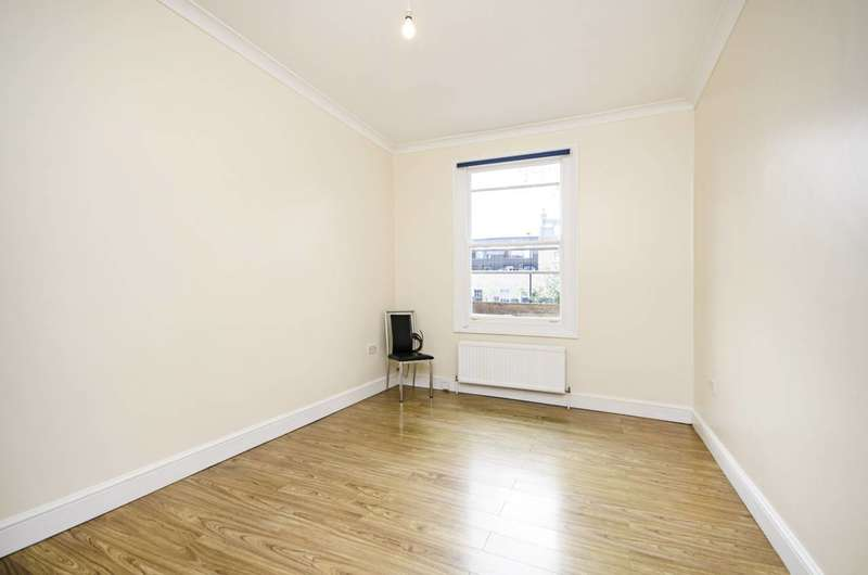 3 Bedrooms Flat for rent in Dalston Lane, Dalston, E8