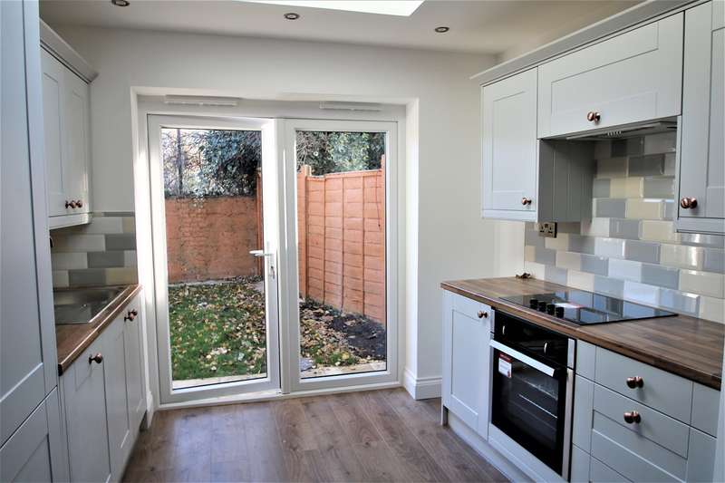 3 Bedrooms Terraced House for rent in Amersham Road, Croydon, CR0