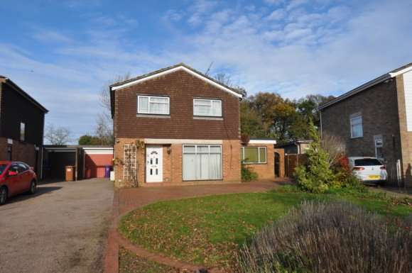 4 Bedrooms Detached House for rent in Brandles Road, Letchworth Garden City, SG6