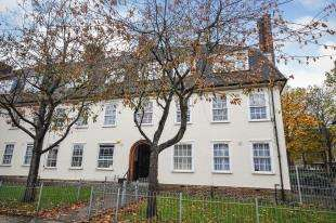 1 Bedroom Flat for sale in Dunfield Road, Catford, London, .