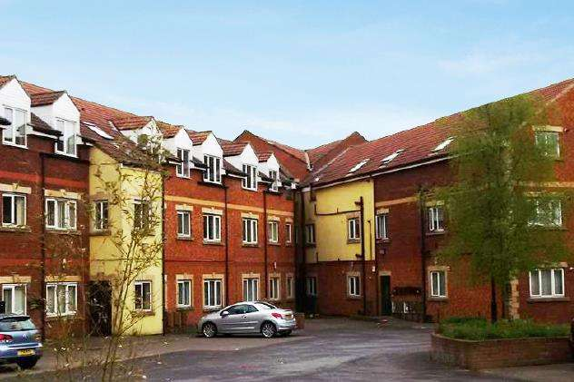 2 Bedrooms Flat for rent in Cambridge Court, Tindale Crescent, Bishop Auckland
