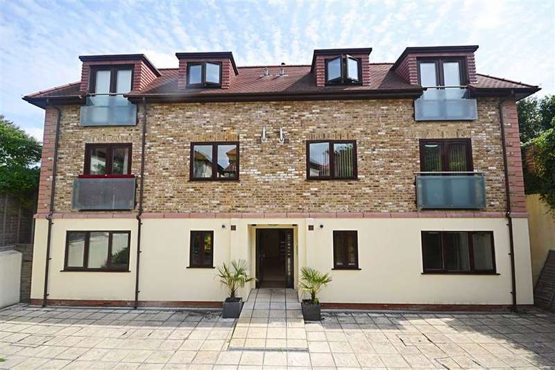 2 Bedrooms Apartment Flat for rent in Old Farm Avenue, Southgate, London