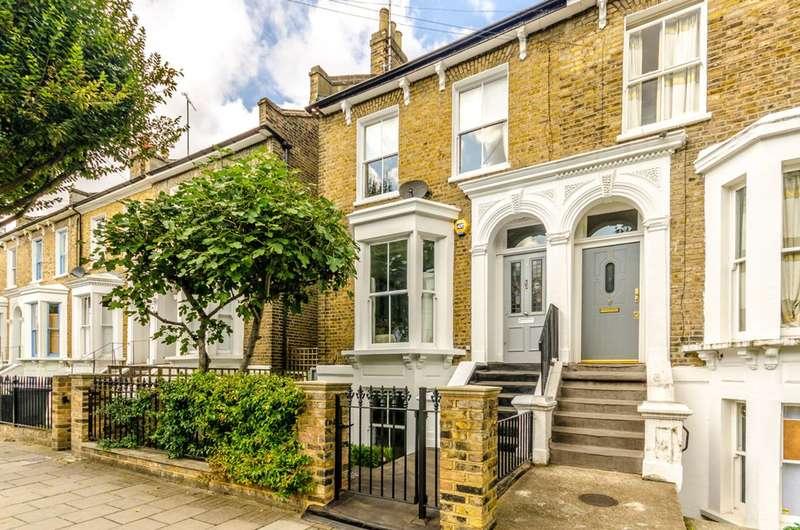 4 Bedrooms Semi Detached House for rent in Penshurst Road, Victoria Park, E9