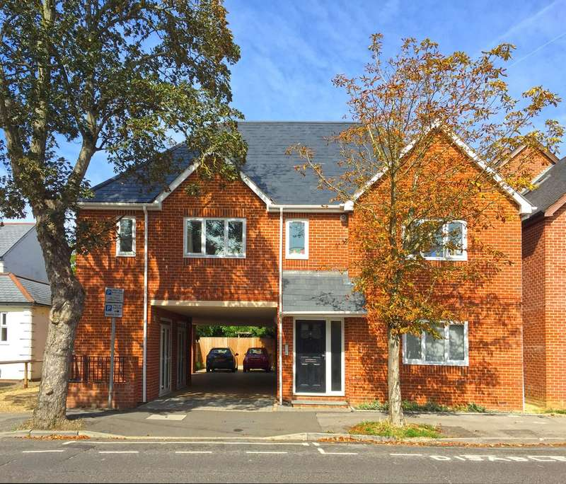 1 Bedroom Ground Flat for rent in Farnborough, Hampshire