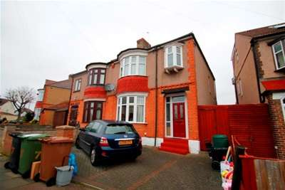 3 Bedrooms House for rent in Aldermoor Road, Sydenham, SE6 **ZERO DEPOSIT AVAILABLE ON THIS PROPERTY**