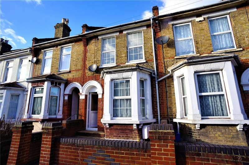 3 Bedrooms Terraced House for rent in Gordon Road, Rochester, Kent, ME2