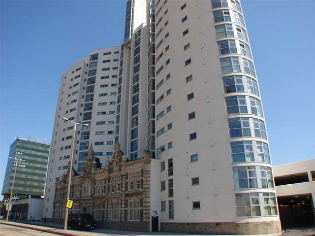 2 Bedrooms Flat for rent in Altolusso, City Centre, Cardiff