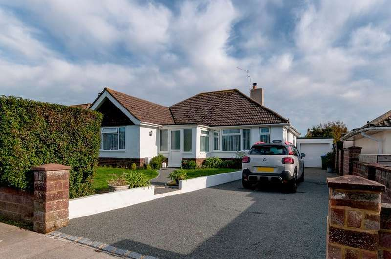 3 Bedrooms Bungalow for sale in North Way, Seaford, East Sussex, BN25 3AL