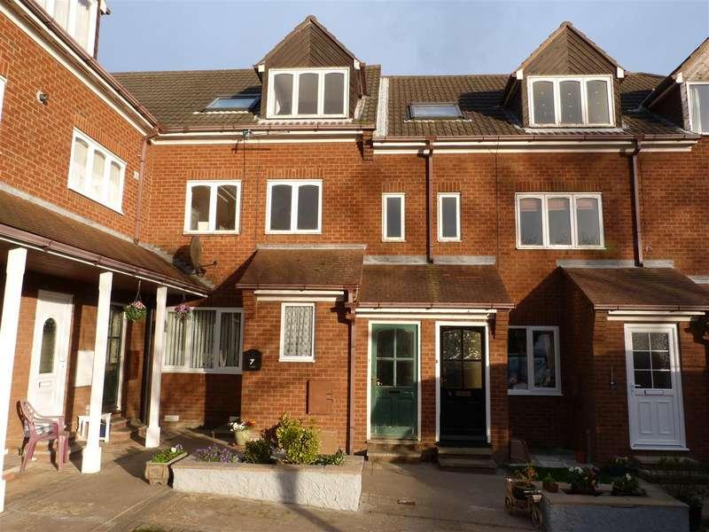 2 Bedrooms Flat for rent in Mascotte Gardens, Hornsea