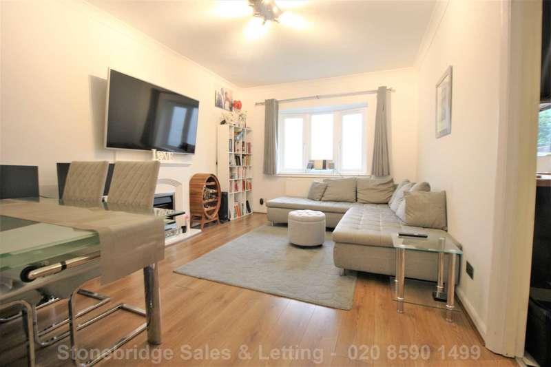 2 Bedrooms Semi Detached House for sale in Lindesfarne Road, Dagenham