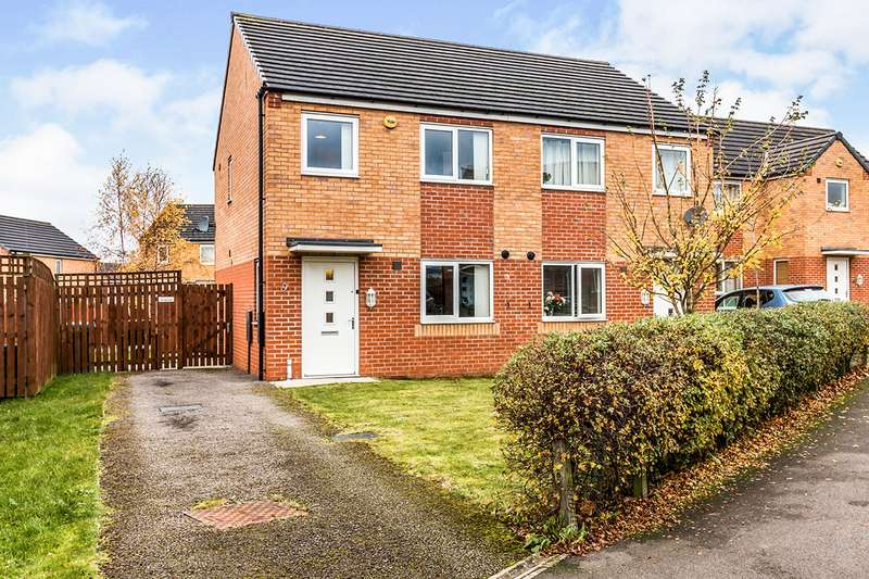3 Bedrooms Semi Detached House for sale in Metcombe Way, Manchester, Greater Manchester, M11