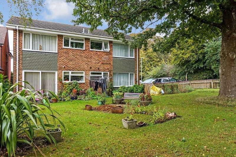 1 Bedroom Flat for sale in Ridgeway, Broadstone, Dorset, BH18 8DY
