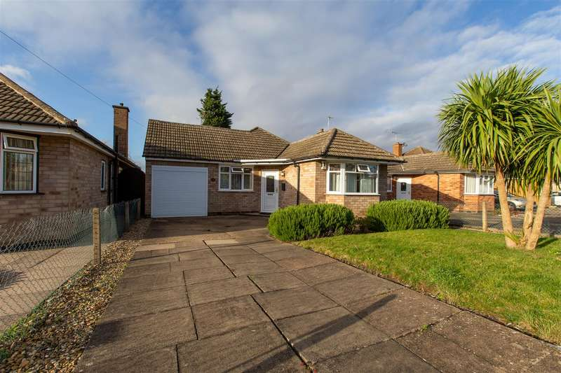 2 Bedrooms Bungalow for rent in Thirlmere Road, Wigston