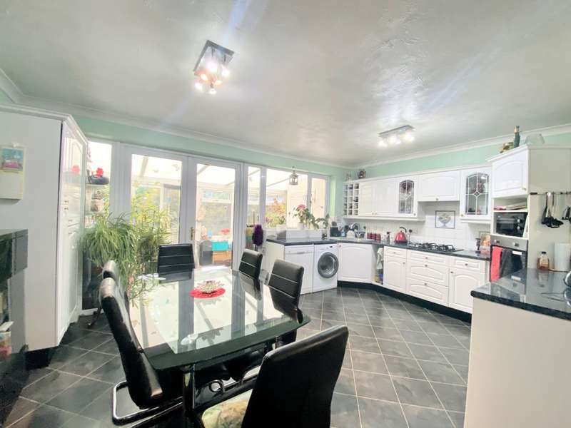 3 Bedrooms House for sale in Burlington Road, Portsmouth, Hampshire, PO2