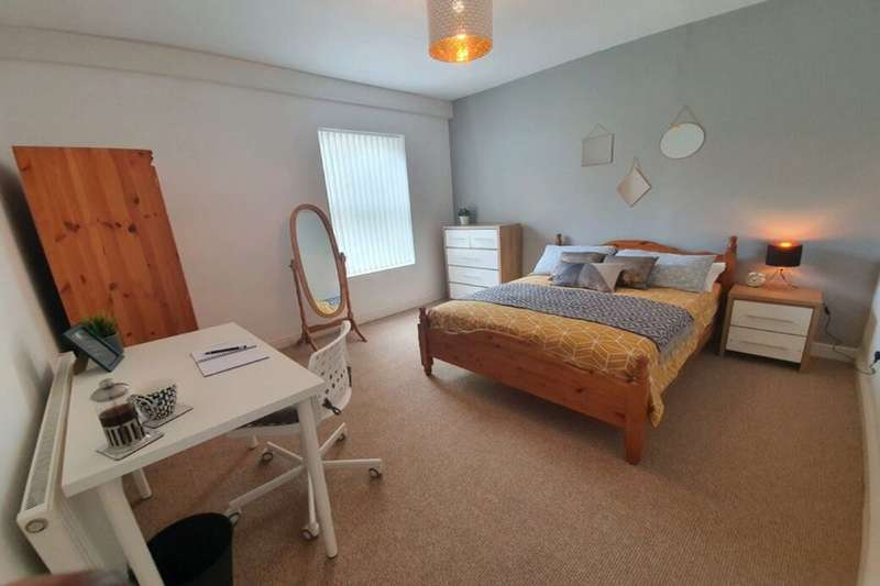 House Share for rent in Little Lane, West Bromwich, B71