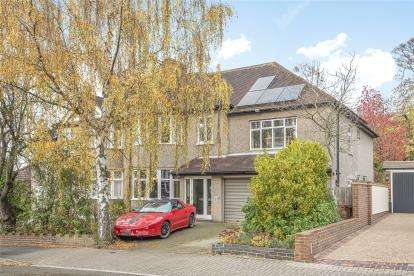 5 Bedrooms Semi Detached House for sale in The Grove, West Wickham