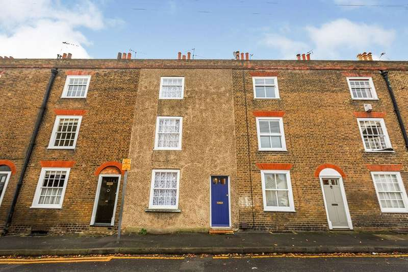 4 Bedrooms Property for rent in East Terrace, Gravesend, DA12