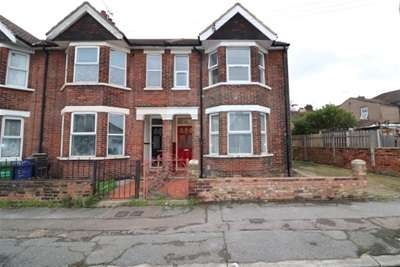 3 Bedrooms House for rent in Hathaway Road, Grays