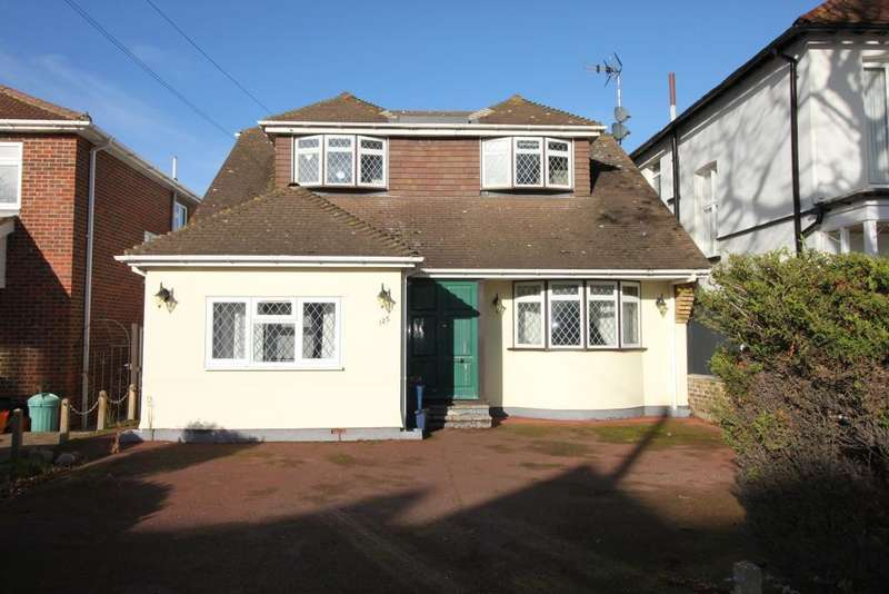 4 Bedrooms Detached House for sale in Shaftesbury Avenue, Thorpe Bay, Southend on Sea, Essex, SS1 3AN