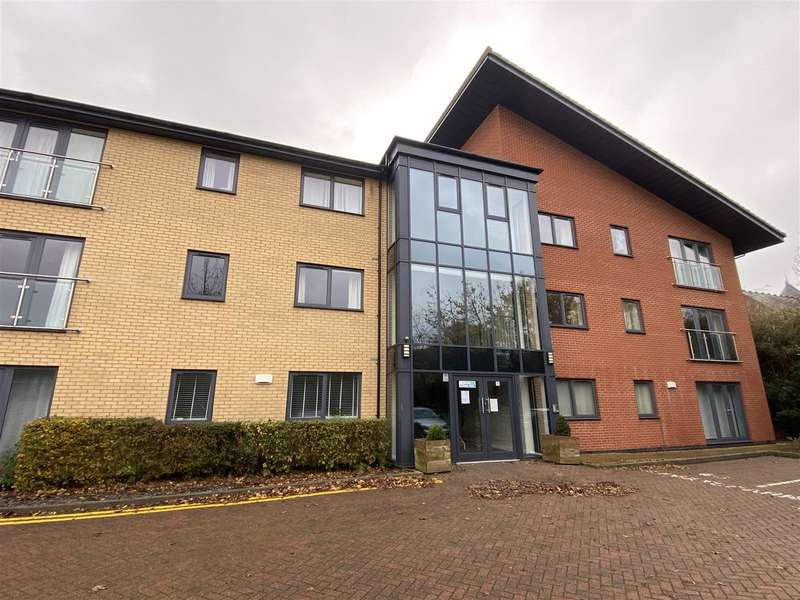 2 Bedrooms Apartment Flat for sale in Manton Road, Lincoln