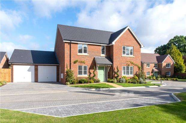 4 Bedrooms Detached House for sale in The Collection, Burghfield Common, Reading