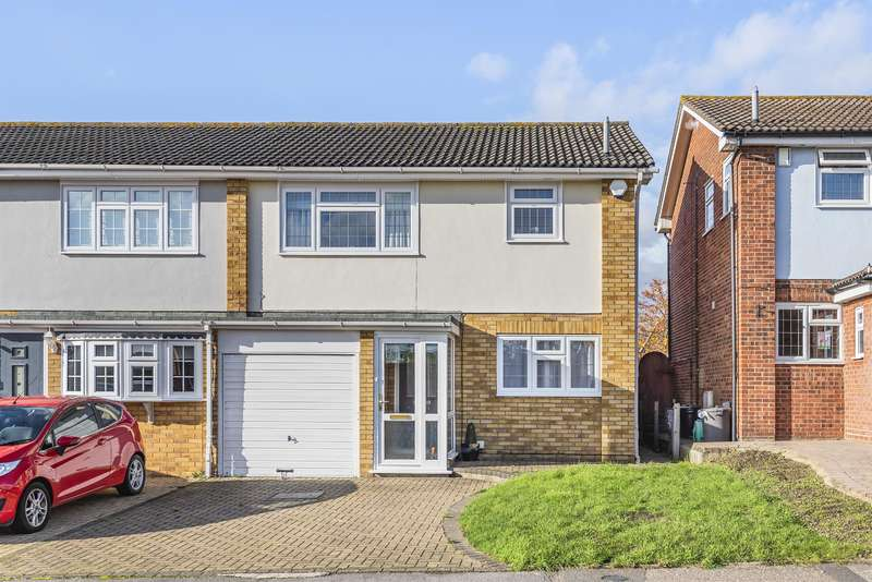 3 Bedrooms Semi Detached House for sale in Chevington Way, Hornchurch, RM12 6RW
