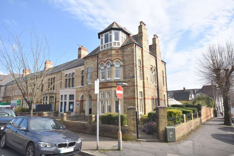 5 Bedrooms End Of Terrace House for sale in 8 Bradenham Place, Penarth, Vale of Glamorgan, CF64 2AG