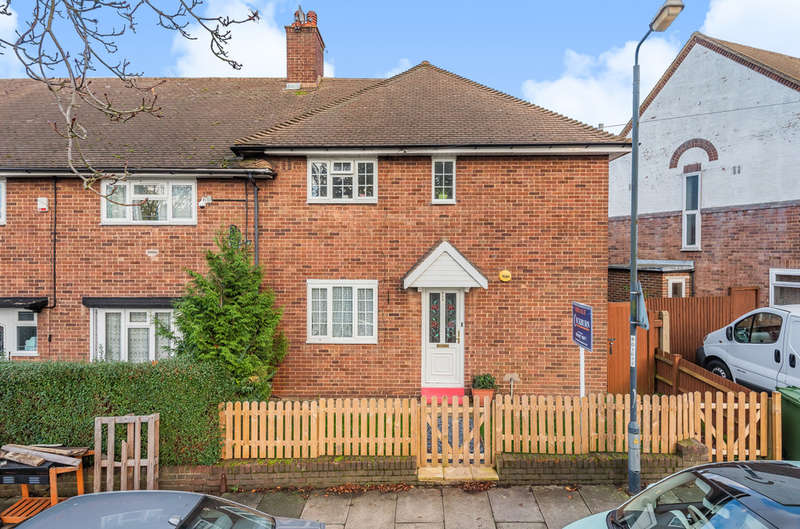 3 Bedrooms Semi Detached House for sale in Mottingham Road, London SE9