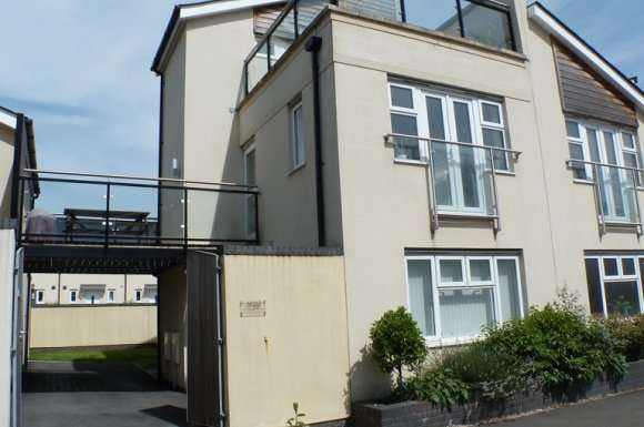 3 Bedrooms Detached House for rent in Copper Quarter, Swansea, SA1
