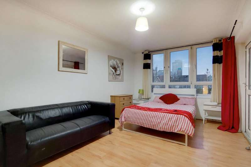 3 Bedrooms Flat for rent in Old Street, Old Street, EC1V