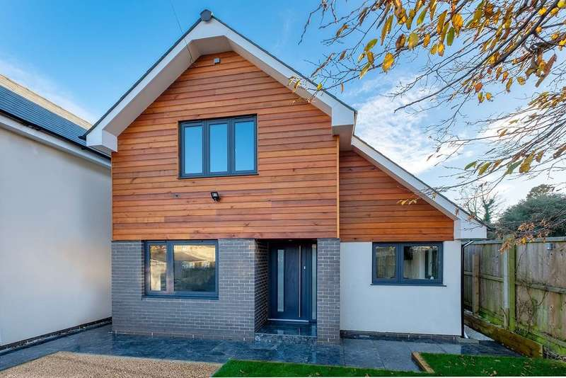 4 Bedrooms Detached House for sale in Niton, Isle Of Wight