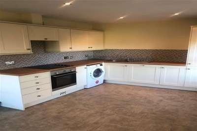 2 Bedrooms Flat for rent in High Street, Norton