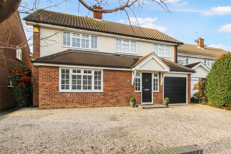 5 Bedrooms Detached House for sale in The Paddocks, Ingatestone