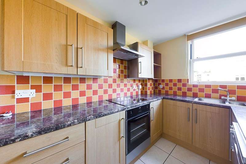 2 Bedrooms Flat for sale in Talbot Close, Southampton, SO16 7LY