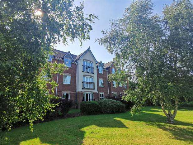 1 Bedroom Apartment Flat for sale in Foxholme Court, Crewe, Cheshire