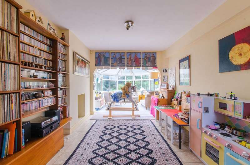 5 Bedrooms Semi Detached House for sale in Kidbrooke Grove, Blackheath, SE3