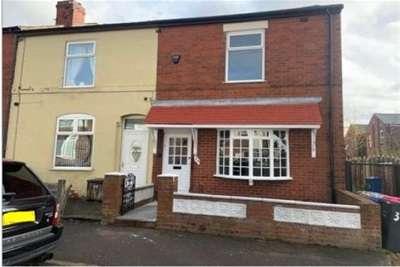 2 Bedrooms House for rent in Raymond Street, Pendlebury, Swinton, M27 6DT