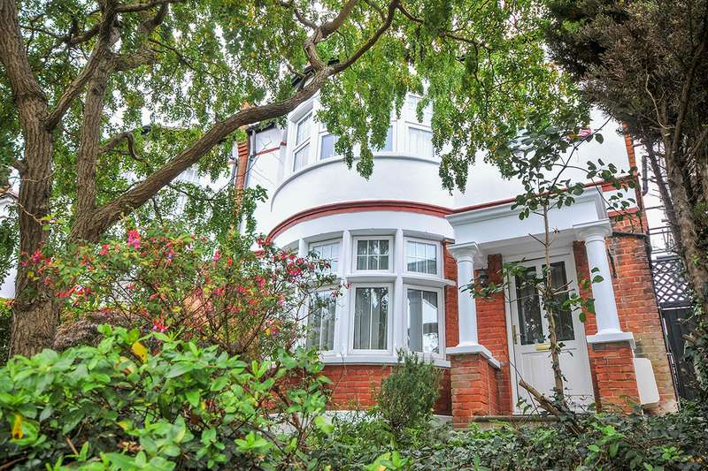 4 Bedrooms Semi Detached House for sale in Lassa Road, London, SE9
